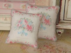 Dollhouse Shabby Chic style Pillow. 1:12 by ANABELAMINIATURES