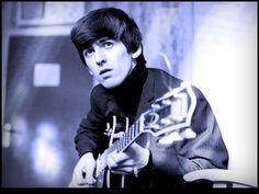 Una de las personas icónicas de una generación que ha trascendido el tiempo y las modas, también pertenecientes a unas de las bandas más importantes del rock a nivel mundial, el ex Beatle George Harrison, cumple 69 años.