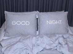 miziajki - pościel z dresu i nie tylko. Komplet poduszek - GOOD NIGHT NA SZARYM.