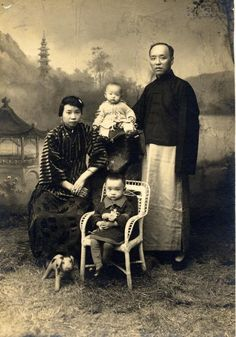 Old photos of chinese families | Silks of Life Chinese Costume Exhibition old photo of chinese family
