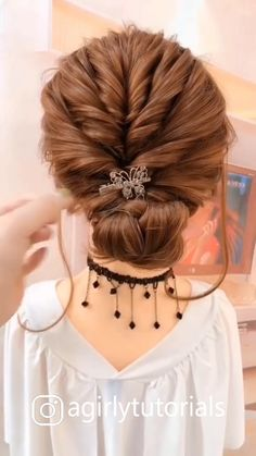 10 Most Trendy Step By Step Hairstyle Tutorials Part 4 Little Girl Hairstyles hairstyle Part Step Trendy tutorials Bun Hairstyles For Long Hair, Step By Step Hairstyles, Hairstyles Videos, School Hairstyles, Easy Diy Hairstyles, Short Hair Bridesmaid Hairstyles, Easy Wedding Hairstyles, Party Hairstyles, Hairstyle Braid