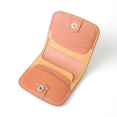 Best and Appropriate Leather for Handmade Leather Belts Small Leather Wallet, Handmade Leather Wallet, Wallets For Women Leather, Leather Gifts, Leather Keychain, Small Leather Goods, Leather Purses, Leather Bag Design, Leather Art