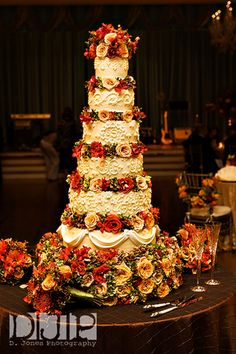 D. Jones Photography - autumn wedding cake with roses