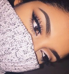 Pinterest: @ErikaaElliss . Follow me for beauty , fashion & makeup posts. :)