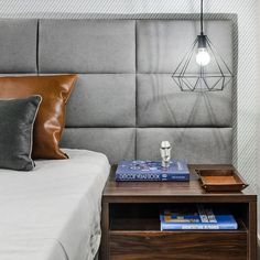 Bedroom Furniture Ideas Head Boards Bedside Tables Ideas For 2019 Bedroom Wardrobe, Bedroom Wall, Bedroom Furniture, Furniture Ideas, Fixer Upper Living Room, Bedroom Dimensions, Woman Bedroom, Bedroom Color Schemes, Family Room Design