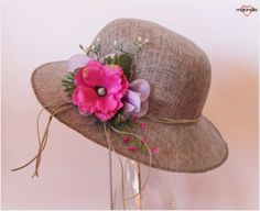 Gray hat with flowers for women. by malonsilla on Etsy Vianey Woods Spring Hats, Summer Hats, Tea Party Hats, Diy Hat, Flower Hats, Cute Hats, Outfits With Hats, Red Hats, Derby Hats