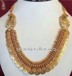 Short Kasu Mala with Jhumkas Short Kasu Mala with Jhumkas – Jewellery Designs - Colorful Toupee Hairs Gold Jewellery Design, Gold Jewelry, Jewelery, Gold Necklace, Jewelry Logo, Antique Jewelry, Indian Wedding Jewelry, Bridal Jewelry, Baby Jewelry