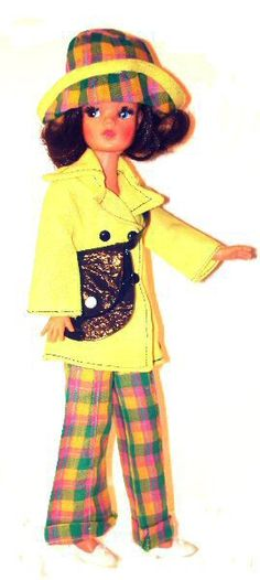 http://www.sindy-dolls.com/images/Trendy%20Girls/alysblazerway.jpg