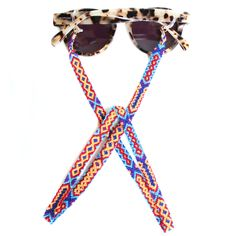 Sunnycords® are modern eyewear chains for your sunglasses. The Sunnycord® is a fashionable sunglass cord for holding any kind of eyewear. Initially designed to never lose you glasses or reading glasses again. Shop your sunglasses chain now online! Diy Glasses, Eyeglass Holder, Textiles, Loom Beading, Bead Art, Statement Jewelry, Glass Beads, Beaded Bracelets, Necklaces