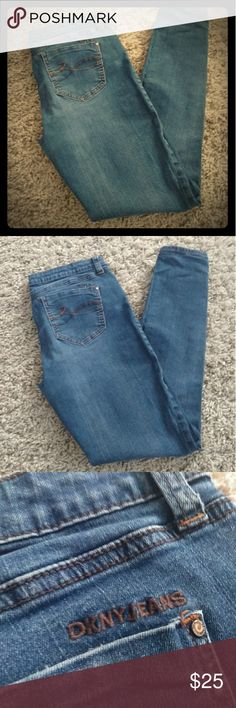 """DKNY 🖤 Stonewashed Skinny Jeans Comfortably worn in denim skinny jeans from Zoey's closet. No visible wear or tear. Bottoms of jeans are free from frays. Standard 5 pockets. Size 8 Waist: 32"""" Length: 37"""" Inseam: 27""""  Jeans, skinny jeans, Donna Karen New York, denim, pants, women, juniors, pre-owned, thrift, ♻ Dkny Jeans Skinny"""
