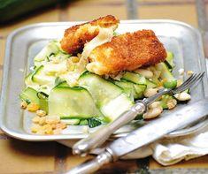 Rántott sajt mazsolás cukkinisalátával Recept képpel - Mindmegette.hu - Receptek Gnocchi, Lunch, Chicken, Food, Eat Lunch, Eten, Meals, Cubs, Kai