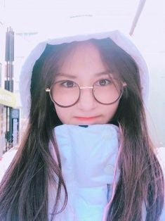 Somi ❤️ Jeon Somi, Korean Glasses, Kpop Anime, Korean Beauty Girls, Choi Yoojung, Kim Sejeong, Korean Celebrities, Ulzzang Girl, Korean Girl Groups
