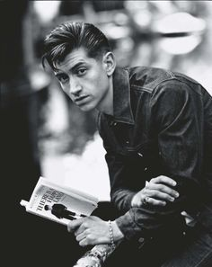 Alex Turner- I like me a man who reads ;)