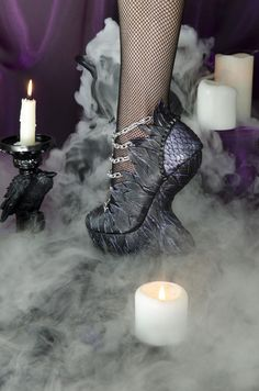 Raven queen choosing the right shoes