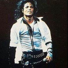 a book that contains rare pics of michael jackson💖 # Overig # amreading # books # wattpad Michael Jackson 1987, Michael Jackson Dangerous, Photos Of Michael Jackson, Jackson 5, King Of Music, The Jacksons, Purple Reign, Rare Photos, Hottest Photos