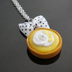 Collier sautoir gourmandise tartelette citron meringué