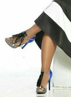 #fringes #shoegasm get the look @ www.stylistjbolin.com