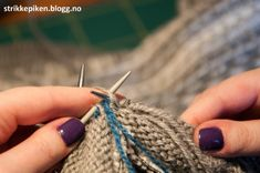 Strikkepiken – Perfekte knapphull til doble stolper Kids And Parenting, Knitting Patterns, Accessories, Fashion, Moda, Knit Patterns, Fashion Styles, Knitting Stitch Patterns, Fashion Illustrations