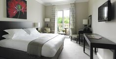 Double-bedroom-at-Bowood-Hotel.jpg (2303×1181)