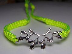 Flowery bracelet by ByKarianne on Etsy, kr60.00