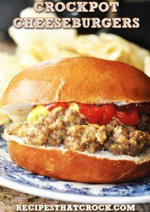 Slow Cooker Cheeseburger Sandwiches - Yum! Who knew a hamburger could be so easy! Try it on a pretzel roll