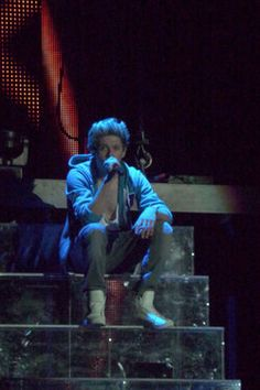 Imagine:  You are with your friends at a One Direction concert. Niall is singing his solo and looks out in the crowd to you. He smiles really big and keeps singing but only looking at you. Right then he makes it clear that he has to meet you, starting the happiest years you will ever have.
