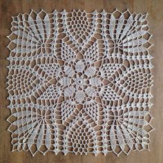 Dear Ladies, Here Comes The Irish Crochet Lace ! - All Knitting Videos - Louisa Crochet Square Patterns, Crochet Motifs, Doily Patterns, Crochet Dollies, Crochet Lace, Crochet Summer, Lace Wedding Centerpieces, Crochet Tablecloth, Lace Doilies