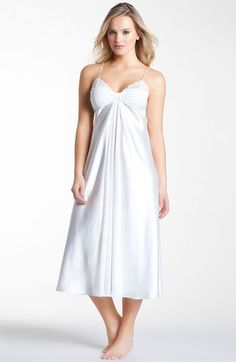 Oscar de la Renta Sleepwear 'Simply Glamorous' Nightgown available at #Nordstrom