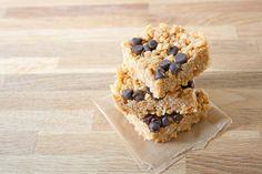 Peanut Butter Chocolate Chip Rice Crispy Treats. #vegan #glutenfree