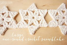 Quick & Easy Christmas Crochet Project - Free Snowflake Crochet Pattern by JaKiGu