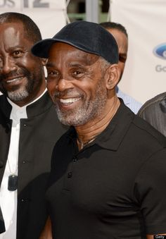Frankie Beverly Photos - Singer Frankie Beverly arrives at the 2012 BET Awards at The Shrine Auditorium on July 2012 in Los Angeles, California. Frankie Beverly, True Roots, Love Your Smile, Jazz Funk, Vintage Black Glamour, Old School Music, Bet Awards, Handsome Black Men, Great Smiles