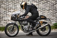 Royal Enfield, Custom Cafe Racer, Cafe Racer Bikes, Cafe Racers, Korean Cafe, Enfield Motorcycle, Continental, Triumph, Ducati Monster