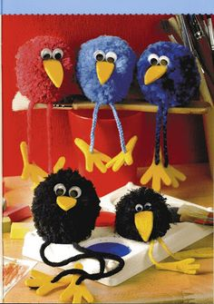 How to make – Pom Pom Bird Craft – feather crafts Pom Pom Crafts, Yarn Crafts, Diy And Crafts, Crafts For Kids, Arts And Crafts, Preschool Crafts, Easter Crafts, Christmas Crafts, Pom Pom Animals