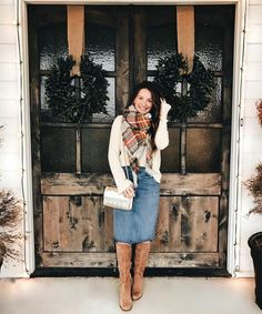 Amazing Christmas Casual Fashion Ideas Casual fashion for women is quickly becoming a popular trend. Though some still choose to look their best every time … Modest Dresses, Modest Outfits, Casual Outfits, Cute Outfits, Jean Skirt Outfits, Church Outfits, Fall Outfits, Fashion Outfits, Fashion Ideas