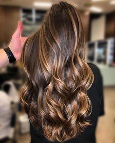 Beautiful hair by using ️… – Balayage Hair Brown Ombre Hair, Brown Hair Balayage, Ombre Hair Color, Hair Color Balayage, Haircolor, Blonde Balayage, Short Balayage, Hair Color Caramel, Fine Hair