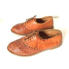 3dce0b324290a Items similar to Mexican 70 s Huarache Unisex Woven Leather Shoes Size 8 on  Etsy