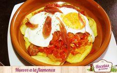Huevos a la flamenca -  La cocina tradicional andaluzatiene muy buenas y ricas recetas que hacen muy acordes los alimentos con la denominación de la receta. Un ejemplo son estos huevos a la flamenca que tiene diferentes variantes según el cocinero que las prepare pero se fundamenta en huevos y verduras. Por ello, yo h... - http://www.lasrecetascocina.com/2014/10/14/huevos-la-flamenca/