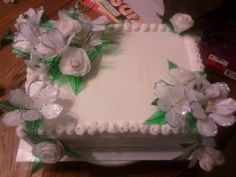Bridal shower cake with gelatin flowers