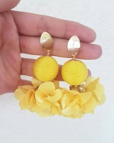 Mis Joyas Favoritas Unique Earrings, Beaded Earrings, Earrings Handmade, Beaded Jewelry, Crochet Earrings, Textile Jewelry, Embroidery Jewelry, Fabric Jewelry, Cristal Rose
