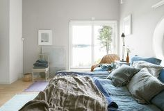 Dormitorio azul + gris claro • Blue + light grey Marine & Natural style bedroom