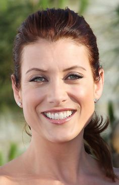 """Kate Walsh is an American film and television actress. She is popular for as Dr. Addison Montgomery-Shepherd on TV series """"Grey's Anatomy"""" Beautiful Actresses, Beautiful Celebrities, Beautiful People, Beautiful Women, Addison Montgomery, Erin Walsh, Kate Walsh, Derek Shepherd, Grey's Anatomy"""