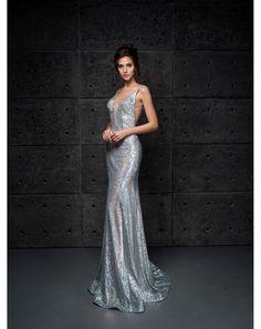 Exkluzívne strieborné večerné šaty z flitrov. Strieborné flitrované ... 548fde14bed