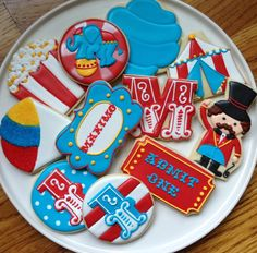 This listing is for one dozen super cute, super fun circus cookies! You can totally customize this collection. You can also choose between a Carnival Cakes, Circus Carnival Party, Circus Theme Party, Carnival Birthday Parties, First Birthday Parties, Birthday Party Themes, Circus Wedding, Carnival Costumes, Circus Birthday Cakes