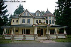 Victorian home in Santa Cruz, California