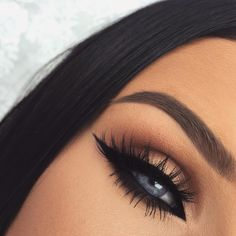 Find images and videos about eyes, make-up and eye make-up on We Heart It - the app to get lost in what you love. Makeup On Fleek, Flawless Makeup, Cute Makeup, Skin Makeup, Eyeliner Makeup, Gorgeous Makeup, Makeup Goals, Makeup Inspo, Makeup Tips