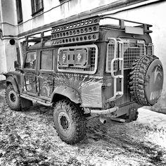 Land Rover Defender 110.