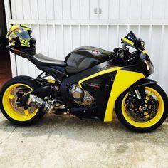 Motorcycles, bikers and Motos Yamaha, Yamaha Bikes, Honda Motorcycles, Futuristic Motorcycle, Motorcycle Bike, Honda Sport Bikes, Bikes Games, Honda Cbr 1000rr, Custom Sport Bikes