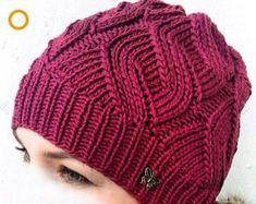 Video Diagonal Knit Hat Making Crochet Girls, Knit Or Crochet, Crochet Motif, Crochet Hats, Baby Hats Knitting, Knitted Hats, Knitting Patterns, Crochet Patterns, Crochet Videos