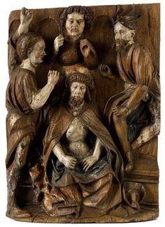 Dornenkrönung Christi Höhe: 65 cm. Breite: 46 cm. Oberrhein, 16. Jahrhundert. Eichenholz. Jesus auf einem Sockel sitzend wiedergegeben, im Spottmantel,...