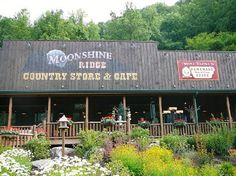 Moonshine Ridge Country Store & Cafe - Sevierville, TN ✓